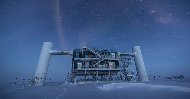 Physicists in Arts & Sciences have proposed a new way to leverage data from large neutrino telescopes such as the IceCube Neutrino Observatory in Antarctica. (Photo: Felipe Pedreros/IceCube and National Science Foundation)