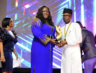 [GIST] Nollywood Actress/Producer Gloria Okafor bags yet another Award @Mykmary fashionshowAwards