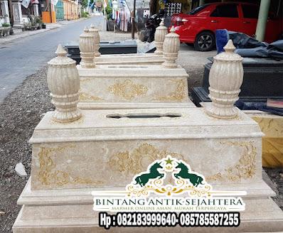 Makam Marmer Putih | Makam Mirip Soeharto