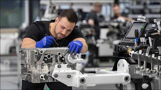Chi tiết động cơ 4 xi-lanh mạnh nhất từ trước đến nay của Mercedes-AMG với 420 mã lực
