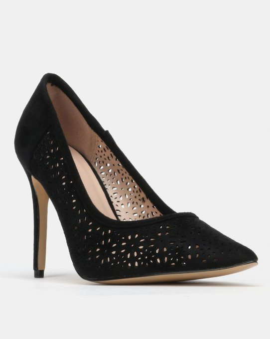black heeled court shoe