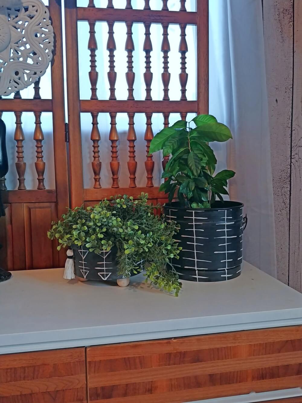 Vintage Aluminum Camping Gear Upcycled to Pretty Boho Planters!