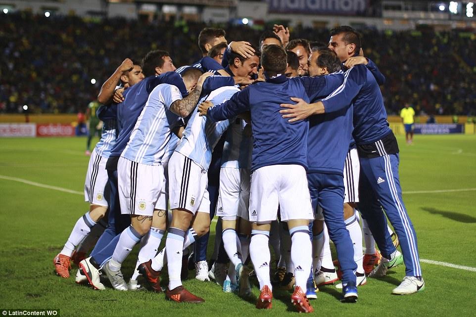 dang-Messi-giai-cuu-Argentina-4