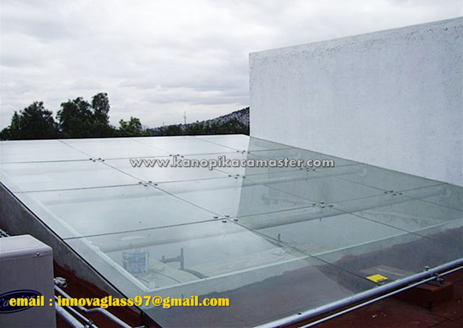 Atap Kaca Skylight Spider Fitting