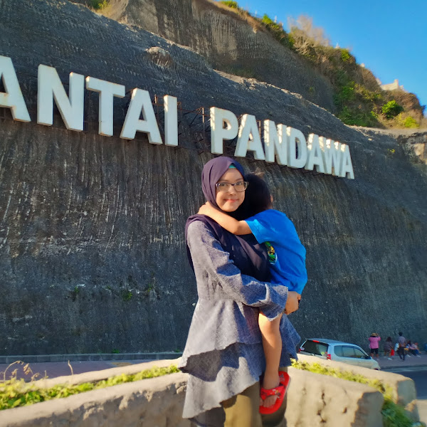 Pesona Pantai Pandawa Bali