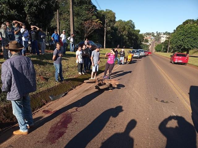 Acidente entre duas motos na subida do Jardim Anchieta em Roncador