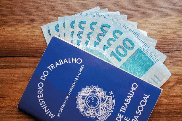 Salário mínimo 2022 tem novo valor previsto após estimativa da inflação