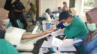 Vaksinasi di Padang Panjang