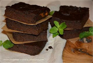 http://swiat-na-widelcu.blogspot.com/2020/06/mokre-brownie-z-batatami-i-masem.html
