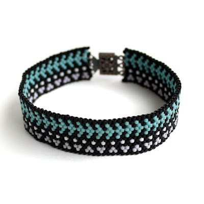 купить стильный браслет женский на руку интернет магазин авторских украшений из бисера