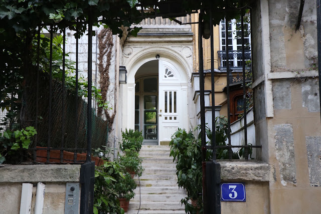 House 3 on private and secret Avenue Frochot in Paris