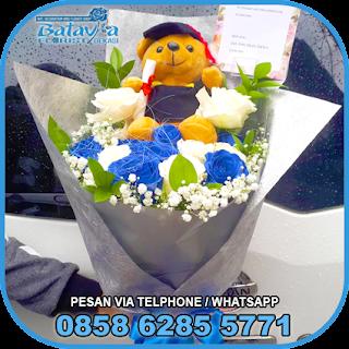 toko-bunga-tangan-bekasi-karangan-bunga-tangan-hand-bouquet-buket-wisuda-pengantin-pernikahan-mawar-matahari-di-bekasi-015