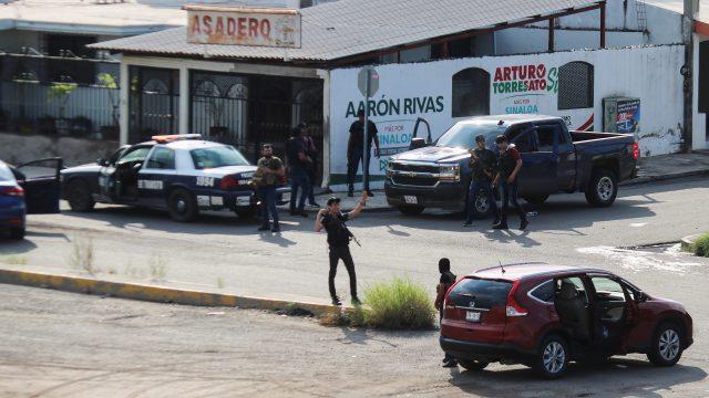 Sicarios enviaron dos videos a mandos militares de Culiacán, en un video se veía a varios militares levantados; en el otro a un elemento ejecutado