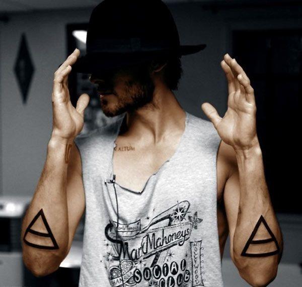 gambar tato segitiga mata satu