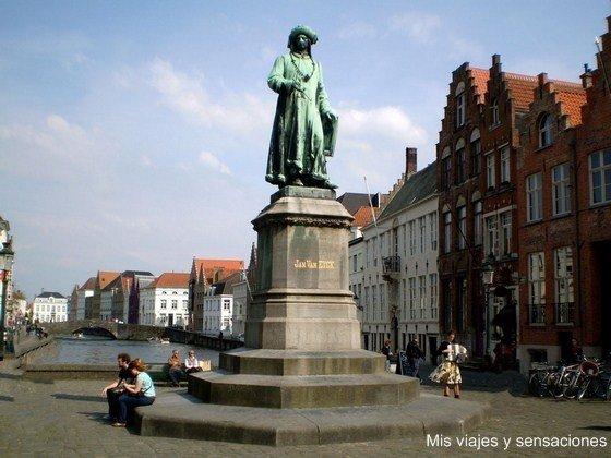 Plaza de Jan Van Eyck, Brujas, Bélgica