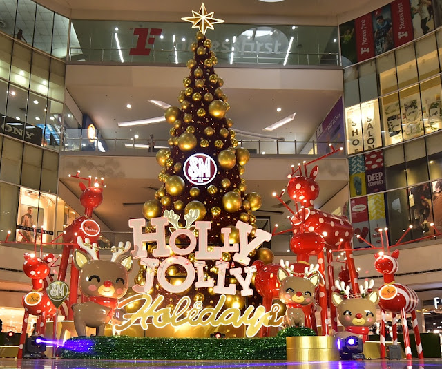 Holly Jolly Christmas at SM City North EDSA