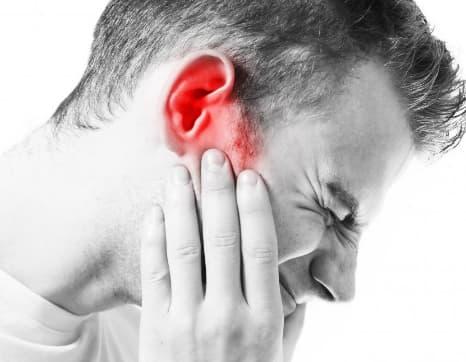 بهذه الأعشاب يتم علاج إلتهاب الأذن طبيعيا