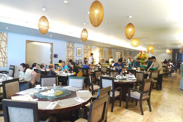 Luxent Hotel Buffet Breakfast Review