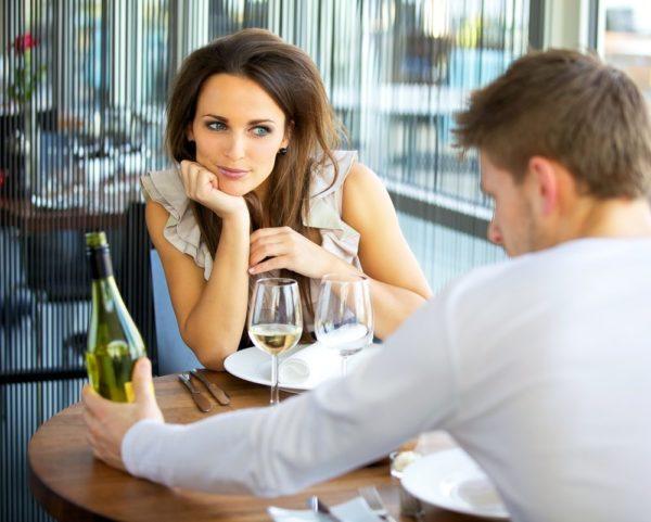 Kesalahan Wanita Saat Kencan Pertama