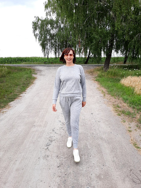 https://femmeluxefinery.co.uk/products/grey-loungewear-tracksuit-set