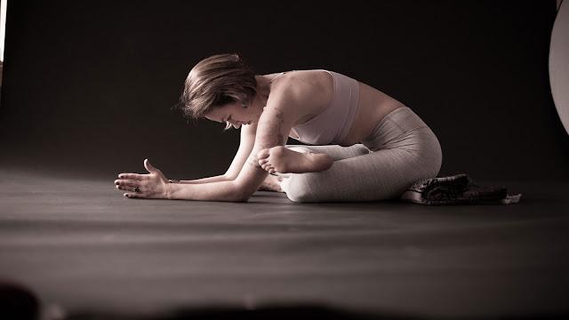 Mỗi ngày một tư thế Yoga || 24 Tư thế khúc gỗ