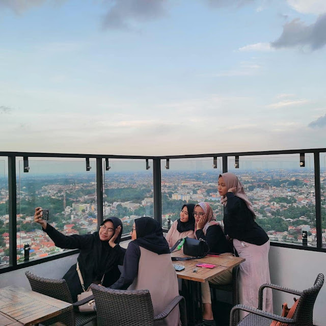 view tamelo atap cafe rooftop depok