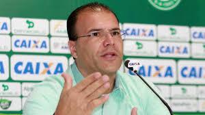 Vice- Presidente de futebol do Goiás, Harley Menezes, demonstra falta de equilíbrio emocional após derrota no clássico, veja o vídeo!