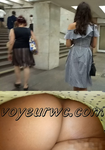Upskirts 4064-4074 (Secretly taking an upskirt video of beautiful women on escalator)