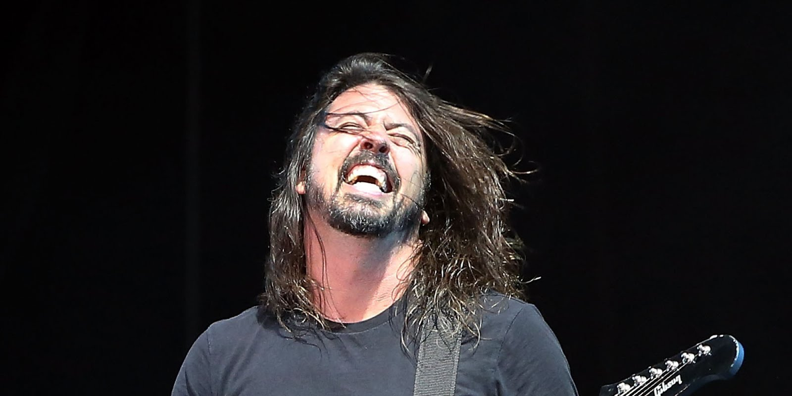 o DAVE GROHL facebook