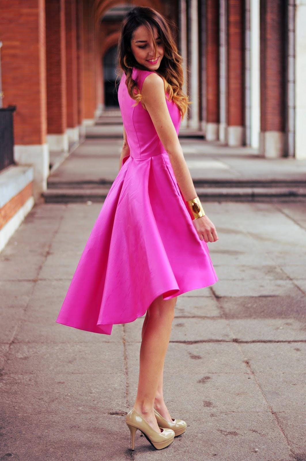 Hermosa Vestido De Novia Invitado De Invierno Elaboración ...