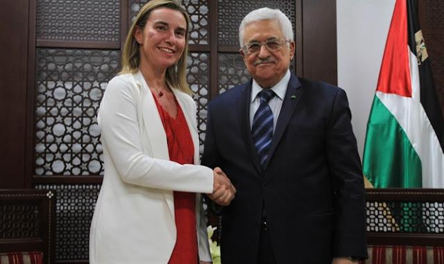Mogherini Federica de la UE con Mahmoud Abbas