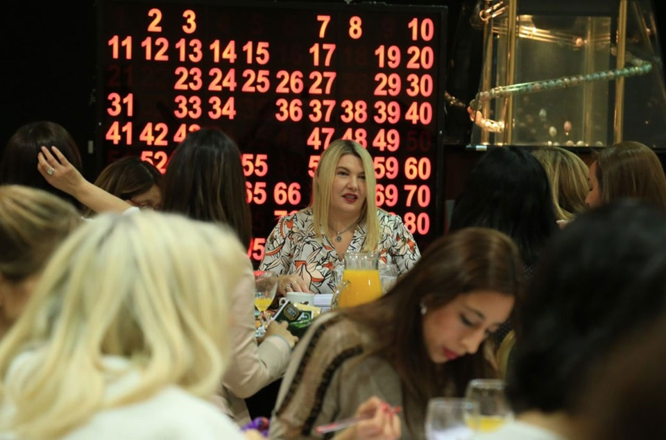 Bertone en campaña, Te Bingo con mujeres