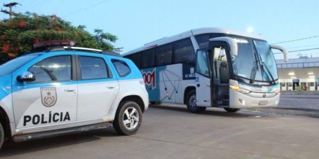 RJ: Homem é preso após se masturbar do lado de mulher em ônibus
