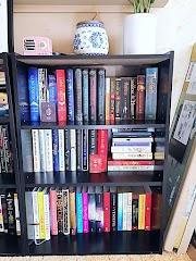 Book Shelf Tour 2019 Pt. 3 | BLOGTOBER 🍂☕🎃