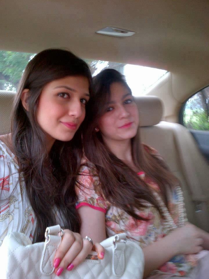 Desi Fun Time : Pakistani Indian, School Girls, Kissing ...