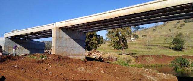 Nova Tebas: Prefeito Clodoaldo comemora construção da nova ponte sobre o Rio Corumbataí