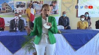 directora del Distrito Educativo 13-01 la Lic. María González Salcedo