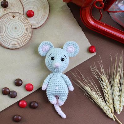 Мышка амигуруми крючком