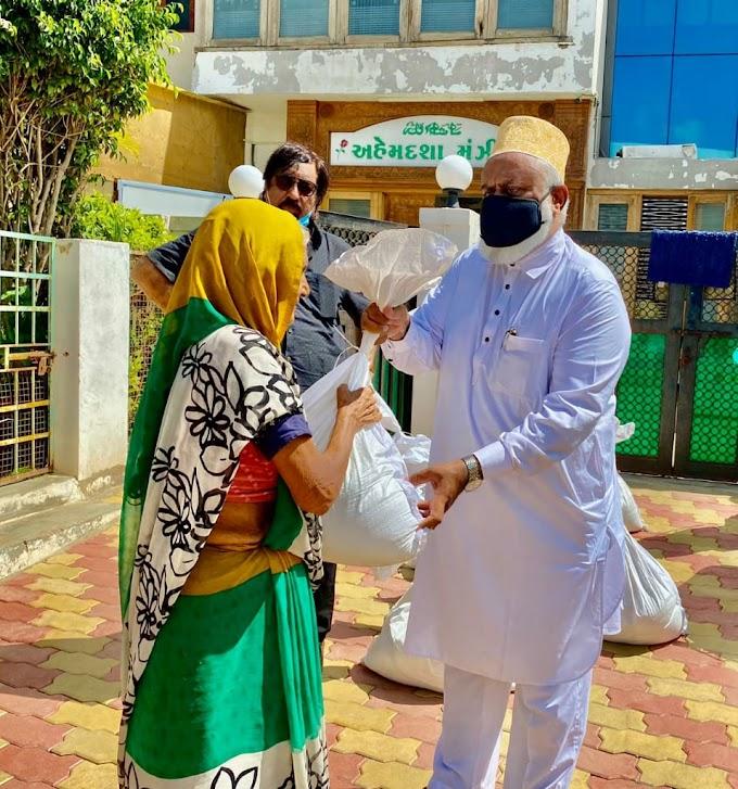 ગાધીધામ શહેર કોગ્રેસ દ્વારા પ્રમુખ સંજય ગાંધી ના જન્મદિવસે દ્વારા શ્રમજીવી વિધવા પરીવારો ને રાશનકીટ આપવામા આવી