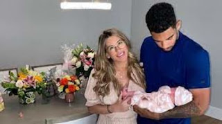Evander Kane Wife And Daughter