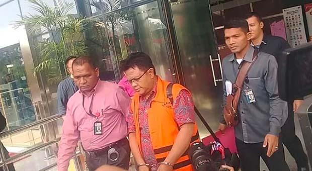 KPK Resmi Tahan Hakim PN Semarang Lasito