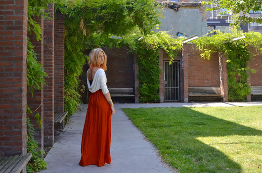 Polished Cats: Outfit - Long Open Back Dress