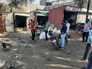 पेटलावद में स्वच्छता सर्वेक्षण नियमों का उल्लंघन करने वालों पर की जा रही, चालानी कार्यवाही