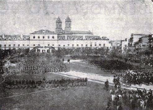 gravura da missa campal rezada em frente ao Quartel de Santo Ovideo
