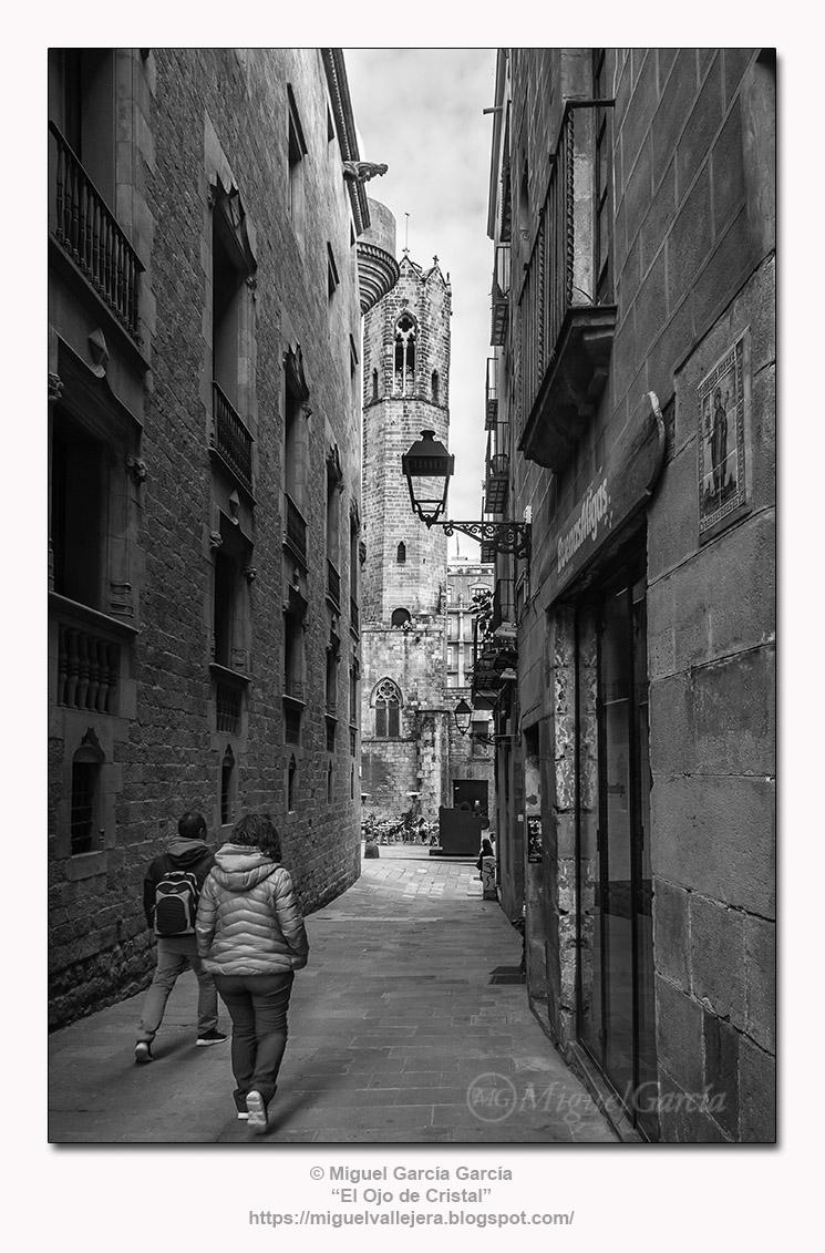 Baixada de Santa Clara, esquina Carrer dels Comtes, Barcelona