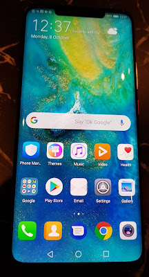 The HUAWEI Mate 20 Pro at a sneak preview. The main screen.