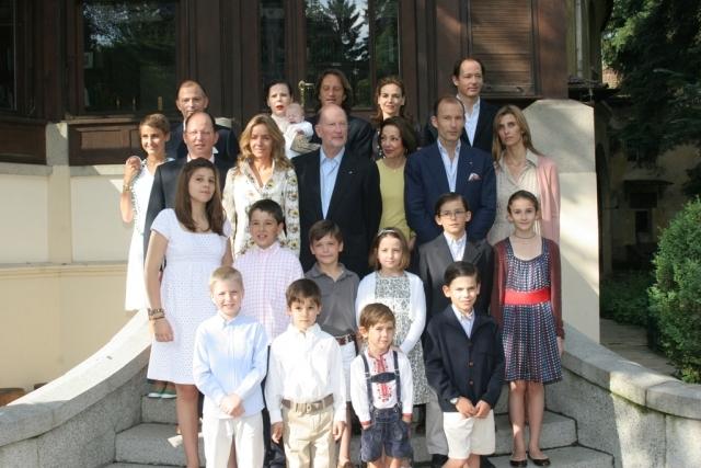 Simeón de Bulgaria con su familia en 2007