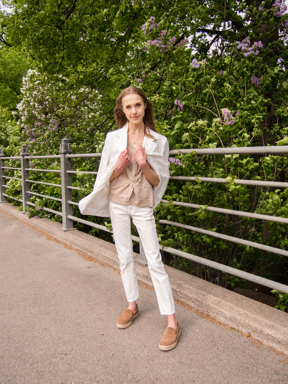 fashion-blogger-summer-outfit-inspiration-white-suit
