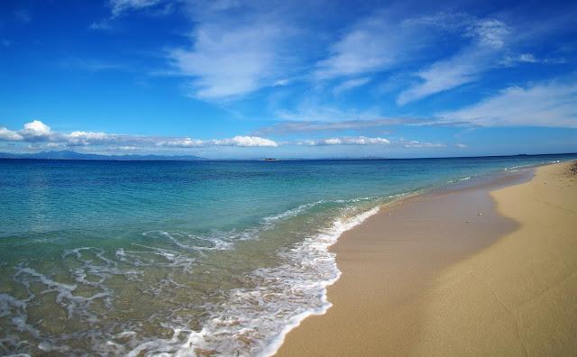 Bounty Island, Strand