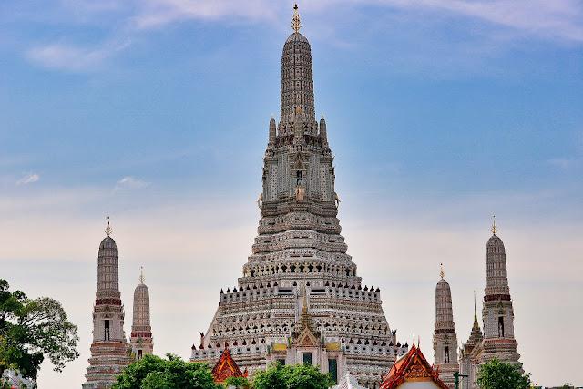 Wat Arun - buddyjska Świątynia Świtu w Bangkoku [CENY, DOJAZD, UBIÓR]
